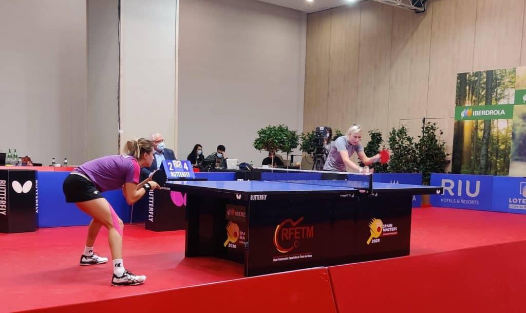 Bruna Takahashi final Masters da Espanha tênis de mesa Charlotte Carey campeã
