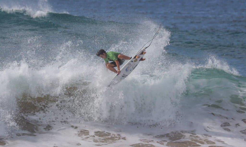 Ian Gouveia surfe CBSurf Pro Tour 2020 Ubatuba