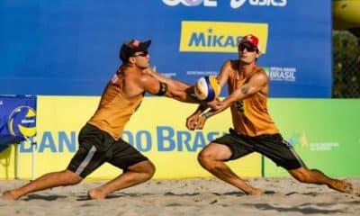 Após a fase eliminatória do Circuito Brasileiro Open de Vôlei de Praia, os atuais campeões André e George ficaram com a melhor campanha