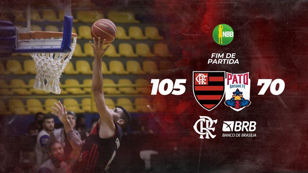 No duelo entre Flamengo e Pato Basquete, válido pela 5ª rodada do NBB 2020/21; o Mengão venceu por 103 a 70 e segue líder com 100% de aproveitamento