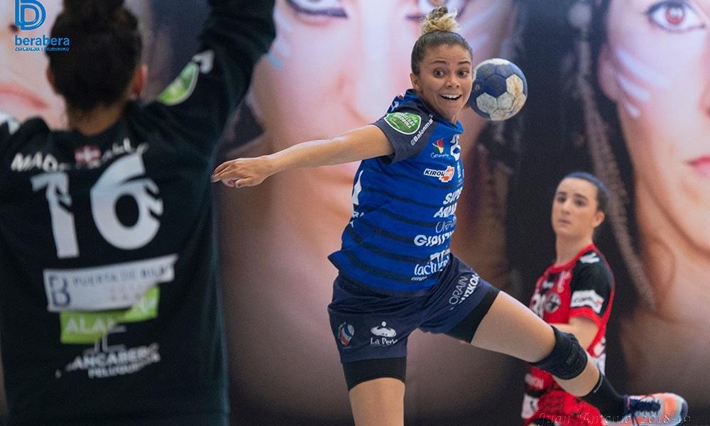 Adriana de Castro marcou oito gols no empate do Bera Bera (Flickr/balonmanoberabera)