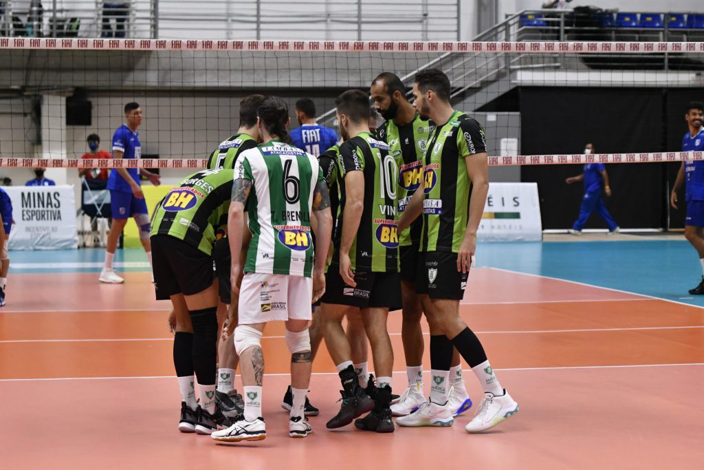 Sada Cruzeiro e EMS Taubaté Funvic venceram seus jogos válidos pela 5ª rodada da Superliga masculina sem maiores problemas; América-MG sobe na tabela