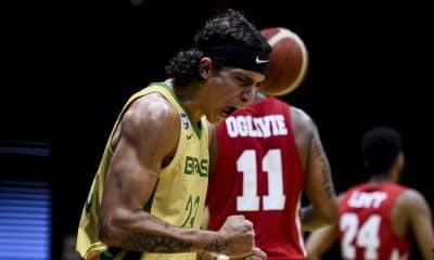 Caio Pacheco estreia bem e lidera Brasil em vitória sobre Panamá