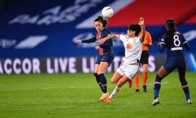 PSG vence clássico francês e assume a liderança