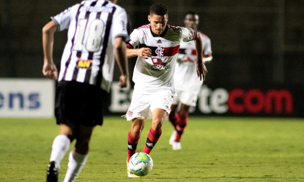 O Flamengo empatou no 1º tempo, com Thiaguinho (Carlos Santana/Portal da Base Brasil)