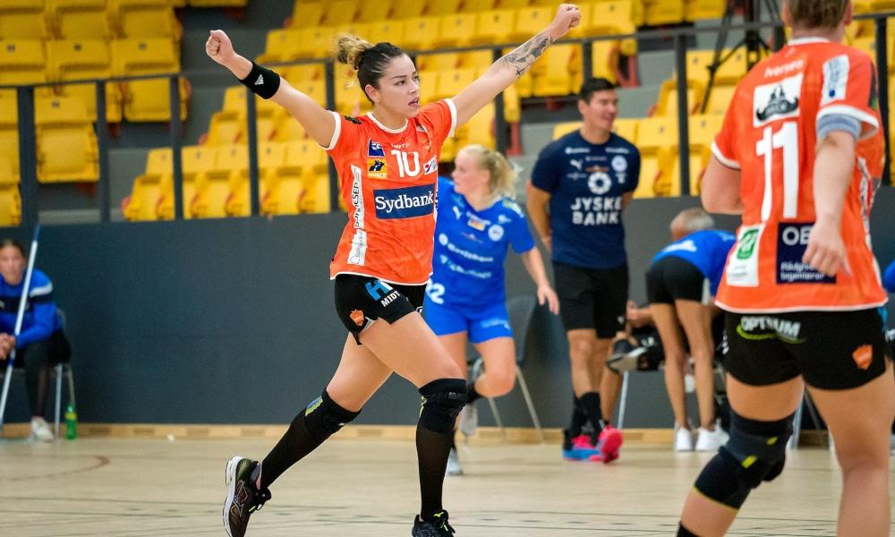 Jéssica Quintino fez um gol na vitória do Odense pela Champions (Facebook/odensehaandbold)