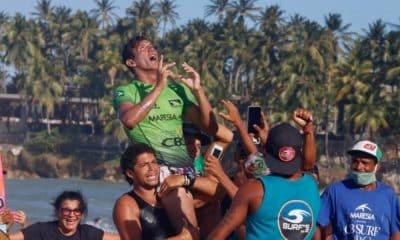O paraense Nayson Costa é o vencedor da 2ª etapa do Circuito Brasileiro de Surfe Profissional, finalizada nesta sexta-feira (27). Em evento na Praia da Taíba, em São Gonçalo do Amarante, no Ceará, o surfista obteve uma conquista inédita em reviravolta emocionante nos momentos finais da bateria decisiva, superando o catarinense Ian Gouveia. O paulista Wesley Dantas foi o terceiro e o paraibano Samuel Igo ficou em quarto.