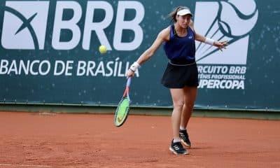 Luisa Stefani venceu o torneio de duplas e se classificou para a final da chave simples na Supercopa
