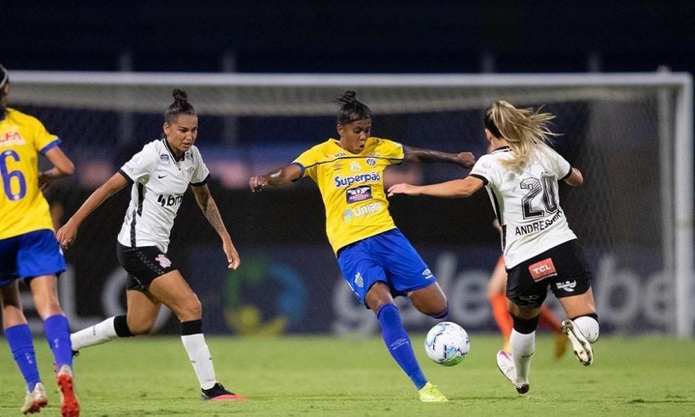 Avaí Kindermann e Corinthians ficaram no empate em 0 a 0 no jogo de ida da decisão