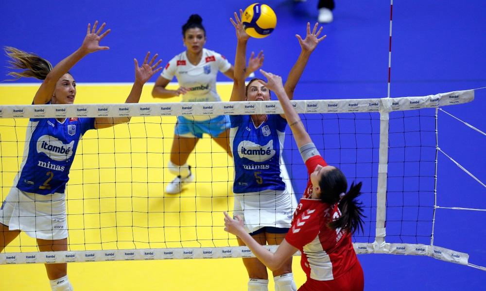 Em Belo Horizonte, o excelente desempenho do Osasco fez o Minas ter uma partida irreconhecível (Orlando Bento/MTC)