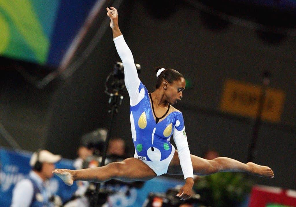 Daiane dos Santos era a favorita em atenas no solo feminino, mas acabou sem medalha. Será que a medalha brasileira vem desta vez em Tóquio?