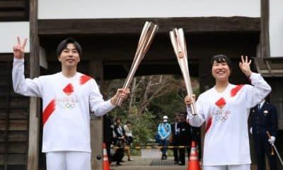 revezamento tocha olímpica japão