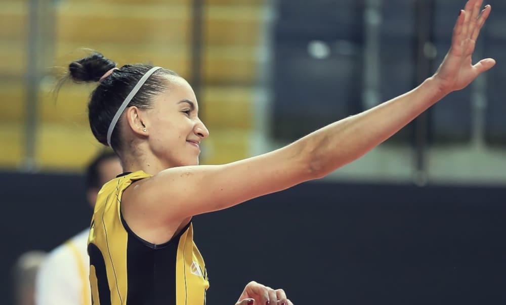 Gabi se destacou na vitória do Vakifbank pela Liga Turca de vôlei feminino (Facebook/VakifBankSK)