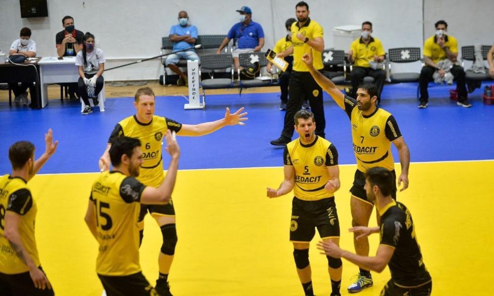 Pela 11ª rodada da Superliga masculina, o líder Taubaté visitou o vice-líder Cruzeiro e levou a melhor; Apan Blumenau e Sesi também venceram nesse sábado