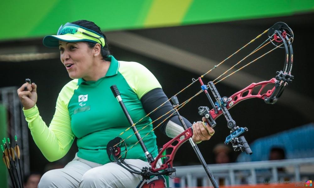 Veja os atletas brasileiros que se destacaram em 2020. Começamos com Jane karla, em janeiro (World Archery/Divulgação)