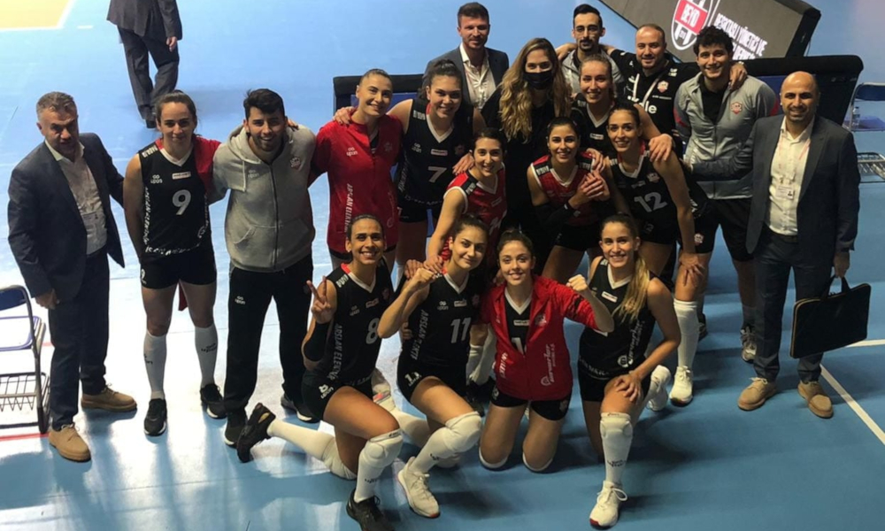 Paula Borgo, Thaisinha e Ellen Braga venceram na Turquia (Facebook/cangenclikkalesk)