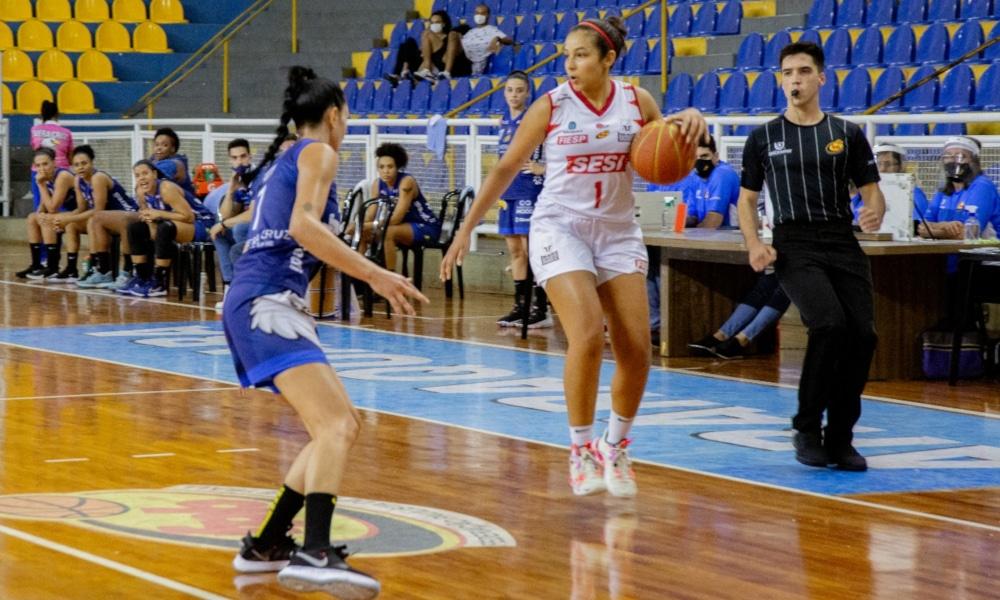 Tainá Paixão, fez 17 pontos, e Patty Teixeira anotou 23 (Ellen Costa/Sesi Araraquara)