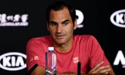 Roger Federer não participará do Australian Open de 2021, programado para começar no dia 8 de fevereiro. O tenista suíço, dono de 20 títulos de Grand Slams, é líder entre os homens ao lado do espanhol Rafael Nadal. Ele optou por retornar a competir somente após o torneio que será disputado em Melbourne. O atleta, de 39 anos, está se preparando para voltar a jogar depois de duas cirurgias no joelho direito