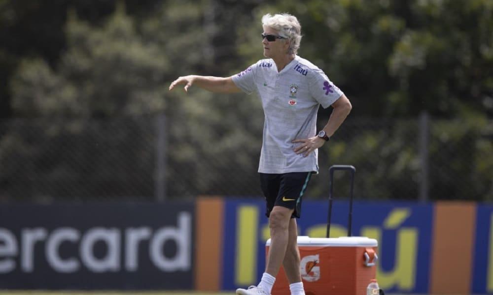 Pia Sundhage comanda treino da Seleção Feminina em Viamão