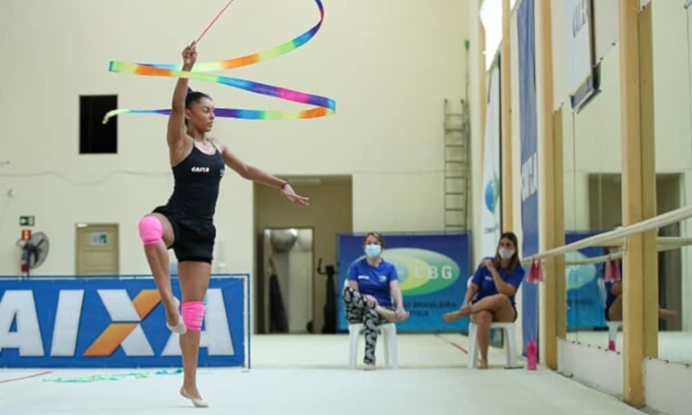 Bárbara Domingos é um dos nomes de destaque da ginástica rítmica do Brasil (Ricardo Bufolin/Panamerica Press/CBG)