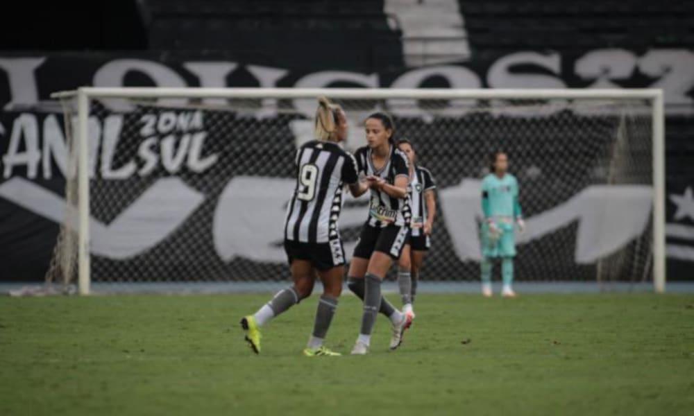 O Botafogo decide o título do Brasileiro Feminino A-2 contra o Napoli (Syllas Brito/Divulgação)