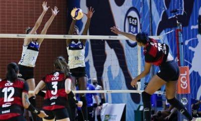 Sesc Flamengo e Pinheiros jogam nesta sexta-feira (15) pela terceira rodada do returno da Superliga feminina de vôlei 2020/21. O jogo será no ginásio Hélio Maurício, na Gávea, no Rio de Janeiro, às 19h. No turno, no Henrique Villaboim, em São Paulo, o time Rubro-Negro venceu por 3 sets a 0, com a ponteira Ana Cristina, que na ocasião atuou como oposto, como maior pontuadora do jogo, com 14 pontos. Siga ao vivo pelo OTD!