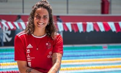 O Flamengo anunciou nesta semana duas contratações para sua equipe de natação. Depois de divulgar a chegada Larissa Oliveira, campeã mundial e maior medalhista do Brasil em Jogos Pan-americanos com dez pódios, o clube Rubro-Negro informou que Gabi Roncatto assinou contrato e nadará pelo clube em 2021. De acordo com a atleta, de 22 anos, o desejo de participar dos Jogos Olímpicos de Tóquio pesou na decisão