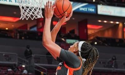 Duas atletas brasileiras atuaram nesta quinta-feira (21) pela NCAA (Liga Universitária Feminina de Basquete). Uma delas deixou a quadra vitoriosa, mas foi discreta. Já a outra sofreu um revés com seu time, porém, teve uma atuação de destaque. A armadora Izabela Nicoletti jogou nove minutos e não pontuou no triunfo do Florida State. E Kamilla Cardoso fez 13 pontos em 33 minutos na derrota do Syracuse 99