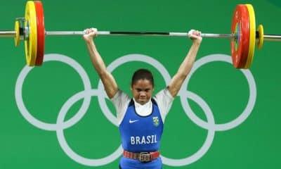 Com a Olimpíada Rio-2016 em seu currículo no levantamento de peso, Rosane Santos, de 33 anos, transformou os momentos de ansiedade durante a pandemia do coronavírus em força para colocar em prática um projeto. A atleta busca vaga nos Jogos de Tóquio, em 2021, que deve ser o último de sua carreira. E ela já pensa no que fará após a aposentadoria, com a inauguração de um centro de treinamento para a modalidade.