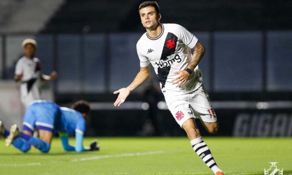 O centroavante Laranjeira fez o primeiro gol do Vasco no jogo (Rafael Ribeiro/Vasco)