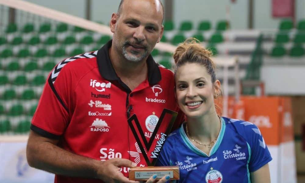 camila brait ganhou o troféu viva vôlei