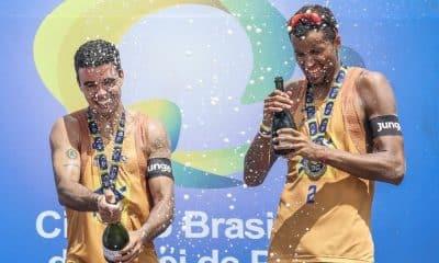 Guto e Arthur Mariano campeões da sétima etapa do Circuito Brasileiro de vôlei de praia