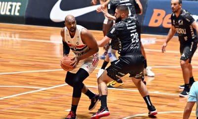 Lucas Mariano São Paulo Bauru Basket NBB basquete masculino