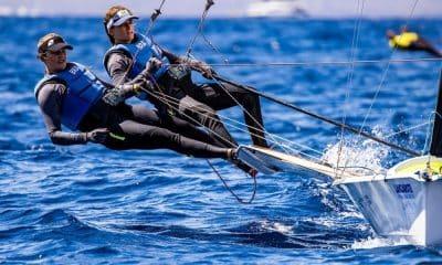 Martine Grael e Kahena Kunze na regata da medalha em Lanzarote