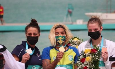 ana marcela cunha medalha de ouro na etapa de doha da série mundial de maratona aquática