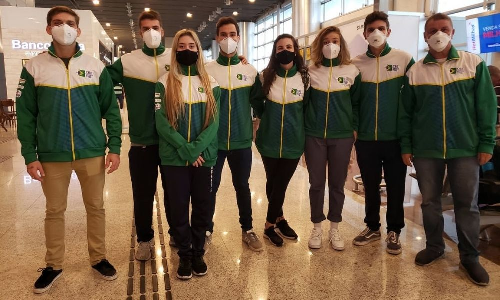seleção brasileira embarca para a Copa do Mundo de sabre em Budapeste