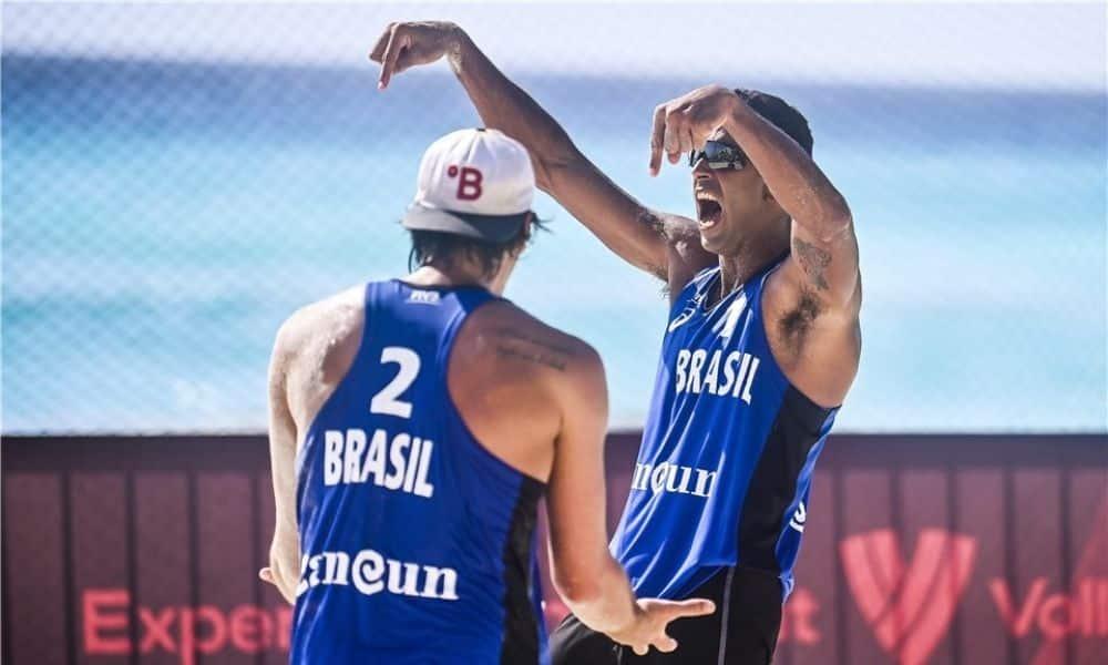 Pedro Solberg e Arthur Lanci Cancún Hub Circuito Mundial de vôlei de praia