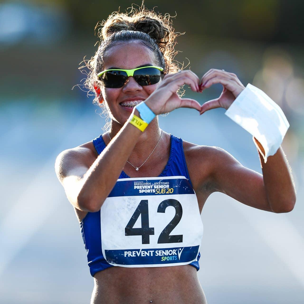 Gabriela Muniz comemora o recorde brasileiro sub-20