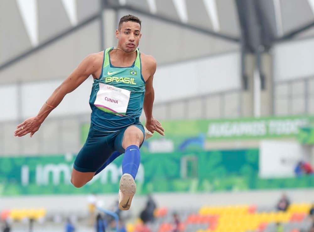 Almir dos Santos no salto triplo masculino