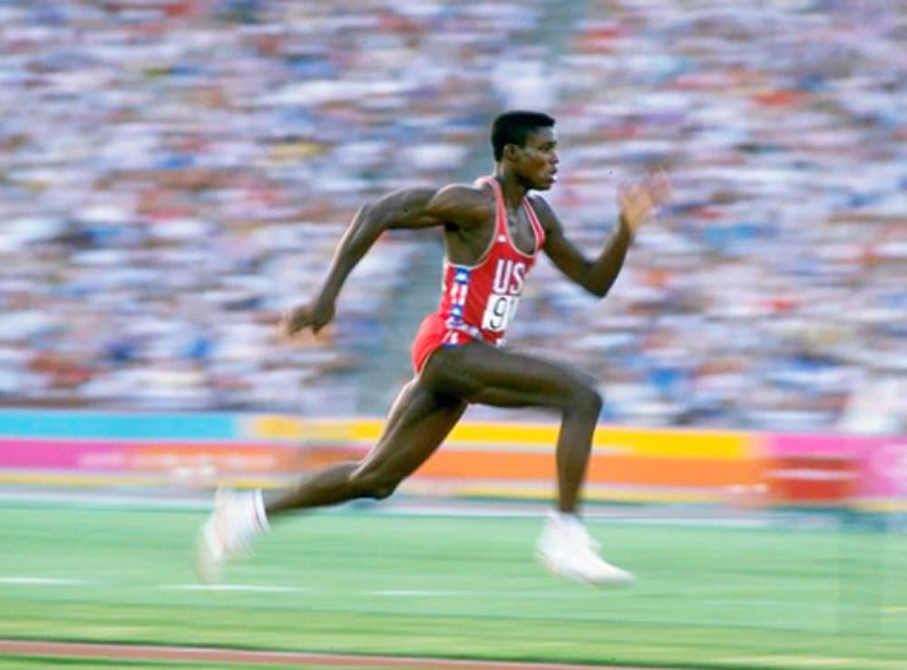 Carl Lewis no salto em distância masculino