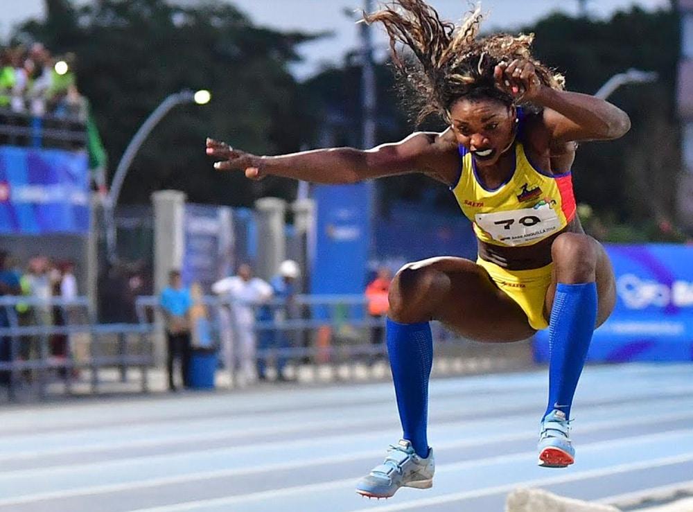 Caterina Ibargüen no salto triplo feminino