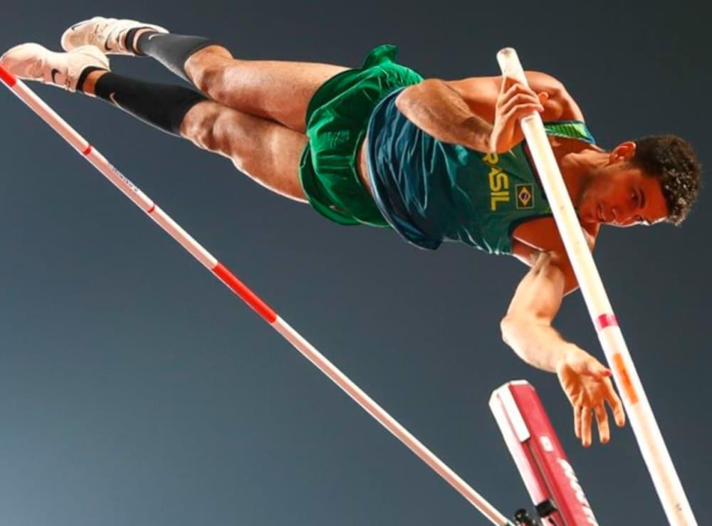Thiago Braz no salto com cara masculino