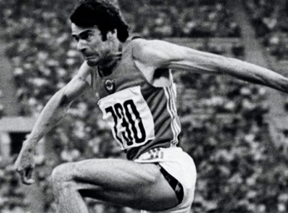 Viktor Saneyev no salto triplo masculino