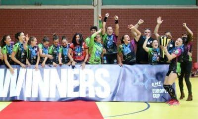 isabelle medeiros malaga campeão da copa europeia de handebol feminino
