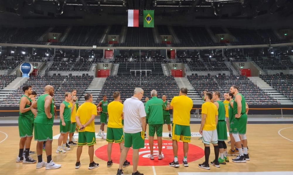 Brasil e Polônia - Amitoso de basquete