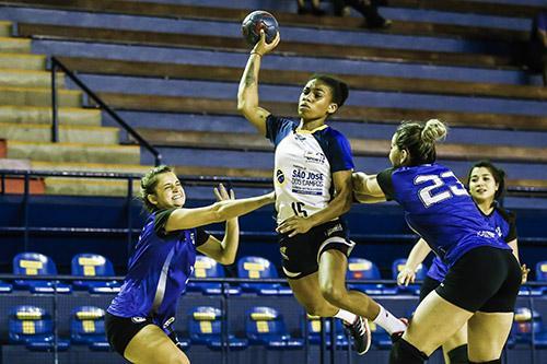 Saiba mais sobre Bruna de paula, campeã mundial que defenderá a seleção brasileira de handebol feminino na Olimpíada de Tóquio 2020