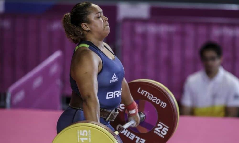 Jaqueline Ferreira relembra início no atletismo e desafio da professora