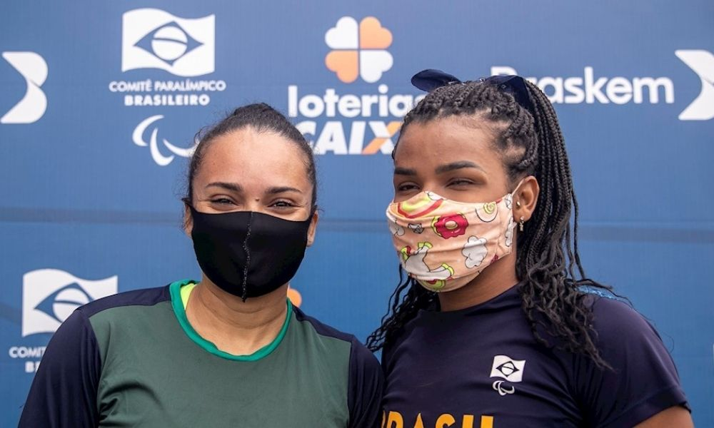Rayane Soares corre prova extra para incentivar melhor amiga Fernanda Yara na seletiva