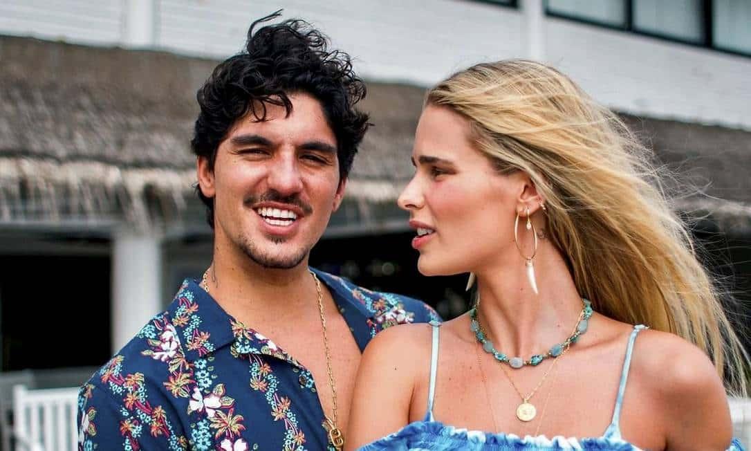 Gabriel Medina e Yasmin Brunet surfe