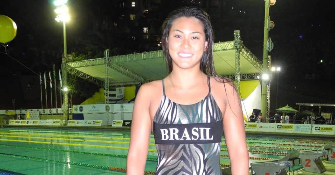 Tatiane Sakemi natação